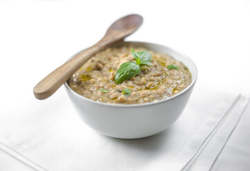 Barley soup with olive oil and basil - RAMAF00112