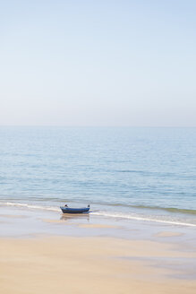 Morocco, Fishing boat at the beach - MMAF00522