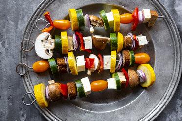 Vegetarian grill skewers, tomato, yellow and green zucchini, tofu, feta, onion and champignon - SARF03928