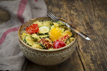 Bowl of oven vegetables with couscous - LVF07400