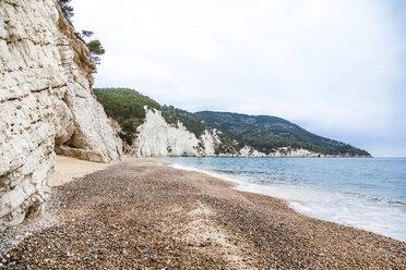 Italy, Vieste, empty Vignanotica Beach on a rainy winter day - FLMF00007