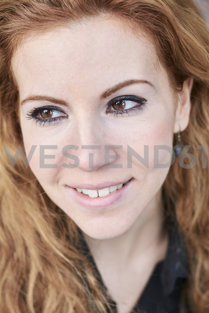 Portrait of redheaded Mid adult woman - IGGF00564