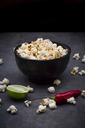 Bowl with popcorn flavoured with chili and lime - LVF07435