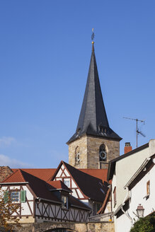 Germany, Rhineland-Palatinate, Freinsheim, typical half-timbered houses in wine village center and church - GWF05639