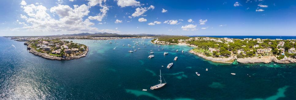 Spain, Mallorca, Portocolom, Punta de ses Crestes, Bay of Portocolom and Cala Parbacana - AMF05907