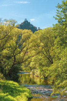 Germany, Rhineland-Palatinate, Altenahr, Ahr Valley, Are Castle and Ahr river in autumn - FRF00734