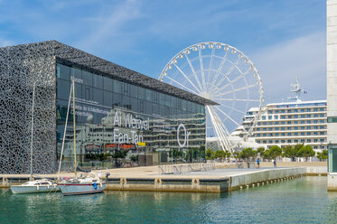 France, Provence-Alpes-Cote d'Azur, Marseille, Museum of European and Mediterranean Civilisations, big wheel and cruise ship - FR00741