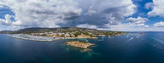 Spain, Balearic Islands, Mallorca, Aerial view of Portals Nous, beach Platja de S'Oratori and Illa d'en Sales - AMF05938