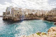 Italy, Puglia, Polognano a Mare, view to historic old town - FLMF00032