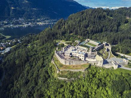 Austria, Carinthia, Ossiach Tauern, Villach, Landskorn Castle over St. Andrae, Lake Ossiach - JUNF01294