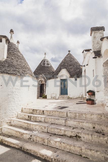 Italy, Apulia, Alberobello, view to  Trulli - FLMF00050