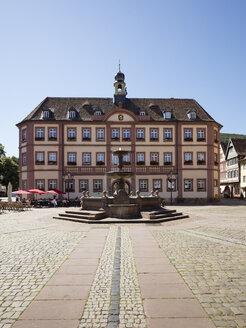 Germany, Rhineland-Palatinate, Neustadt an der Weinstrasse, Market square, town hall - WIF03619