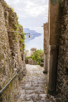 Italy, Campania, Amalfi Coast, Ravello, alley - FLMF00055