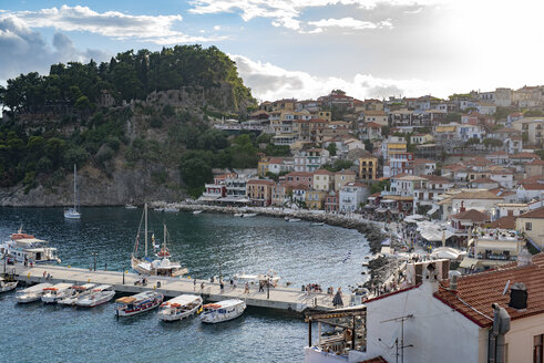 Greece, townscape of Parga with harbor - PSIF00080
