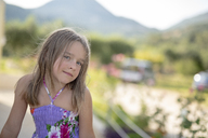 Portrait of smiling girl outdoors - PSIF00107