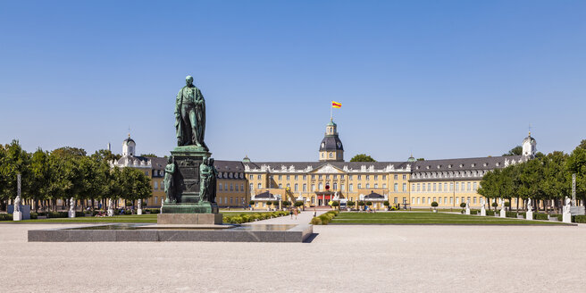 Germany, Karlsruhe, Castle and castle square with Charles Frederick monument - WDF04847