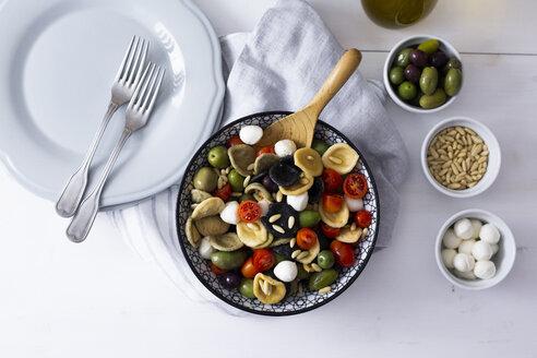 Mediterranean orecchiette with tomato, olives, mozzarella - GIOF04538
