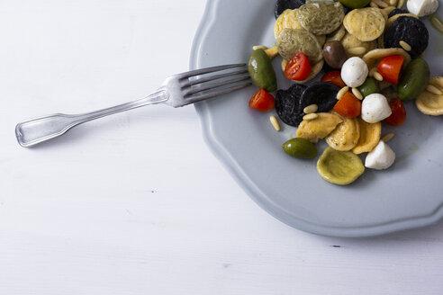 Mediterranean orecchiette with tomato, olives, mozzarella - GIOF04547