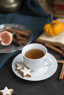 Cup of tea and cinnamon stars - JUNF01395