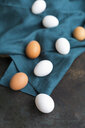 White and brown eggs - JUNF01402