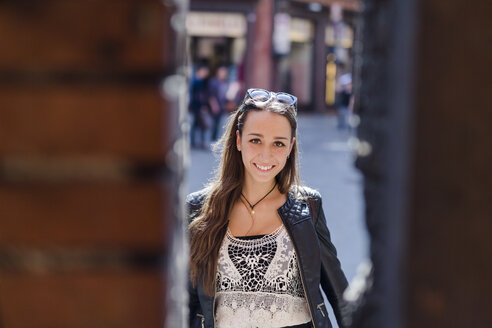 Portrait of fashionable young woman in the city - GIOF04668