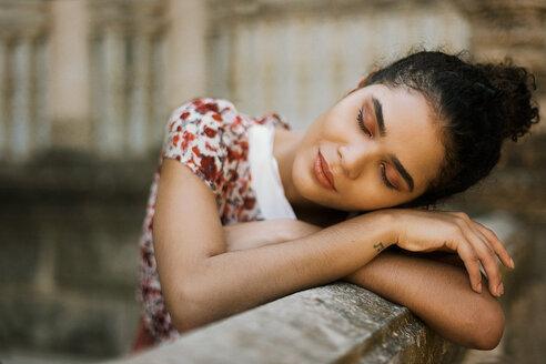 Head shot of a beautiful young woman - INGF00265