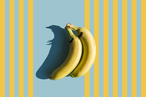 3D Rendering, bananas with fake eyelashes - ERRF00047