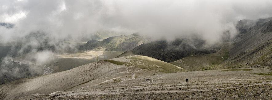 Russia, Caucasus, Mountaineers hiking in Upper Baksan Valley - ALRF01322