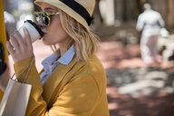 Woman drinking coffee - CUF46069