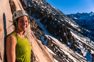 Woman rock climbing, Cardinal Pinnacle, Bishop, California, USA - CUF46318
