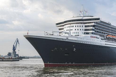 Germany, Hamburg, Altona, Port of Hamburg, Queen Mary 2 - KEB00965