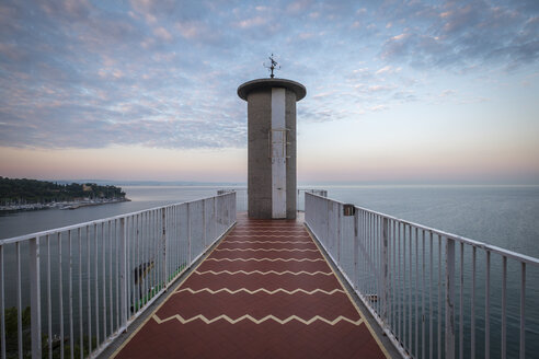Italy, Friuli-Venezia Giulia, Trieste, tower, viewpoint in the evening - HAMF00489