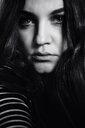 Dramatic portrait of a beautiful brunette - INGF02531