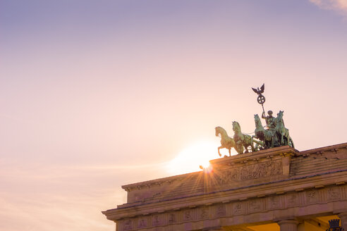 Germany, Berlin, Brandenburg Gate with Quadriga at backlight - CMF00860