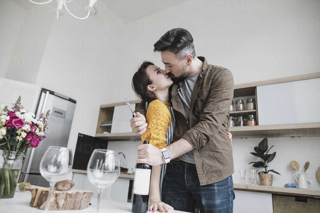 Couple In Love Kissing In The Kitchen Kmkf00575 Katharina Mikhrin Westend61