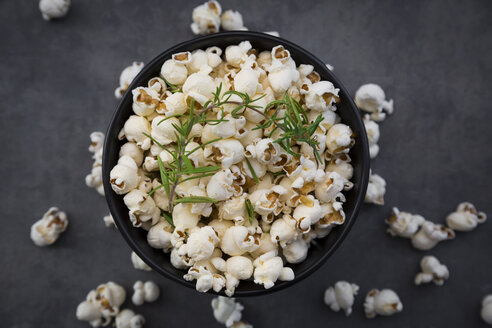Bowl of popcorn with parmesan and rosemary - LVF07495