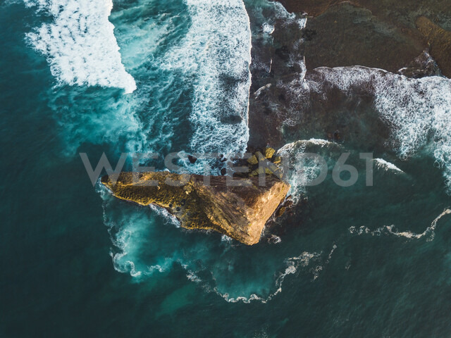 Indonesia, Lombok, Aerial view of coast near Kuta, small island from above - KNTF02267 - Konstantin Trubavin/Westend61