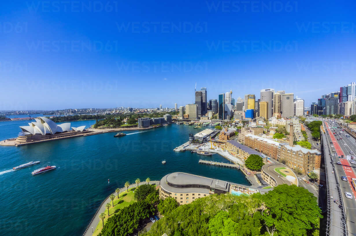 Australia, New South Wales, Sydney, Sydney Opera House and city view - THAF02293 - Thomas Haupt/Westend61