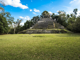 Central America, Belize, Yucatan peninsula, New River, Lamanai, Maya ruin, Jaguar Temple - AMF06122