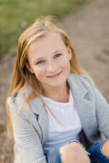 Portrait of smiling blond girl - NMSF00274