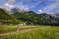 Albania, Shkoder County, Albanian Alps, Theth National Park, Theth, female hiker - SIEF08081