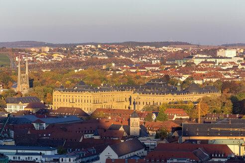 Germany, Bavaria, Wuerzburg, Cityview, Wuerzburg Residence, Ringpark, St. Johannis Church (l.) - NDF00830