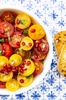 Oriental tomato salad with pomegranate seeds and mint - LVF07525