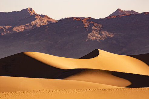 USA, Californien, Death Valley, Death Valley National Park, Mesquite Flat Sand Dunes - FCF01514