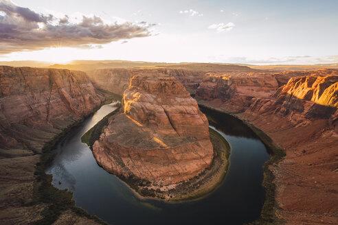 USA, Arizona, Bendhorse shoe at sunrise - KKAF02846