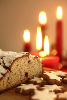 Cinnamon stars and stollen at candle light - JTF01130