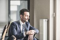 Portrait of a successful businessman - UUF15767