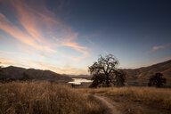 USA, California, Lake Kaweah in the evening - FCF01606