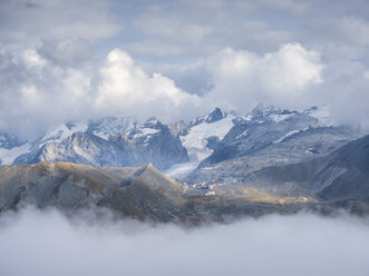 Border region Italy Switzerland, mountain landscape with view to Stelvio Pass and Ortler massif - LAF02161