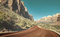 Scenic road in zion national park. - INGF06371